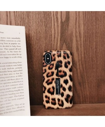 iPhone Leopard Print Case With Finger Strap &Kickstand