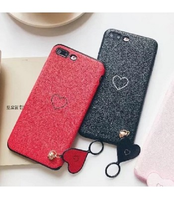 love-shape-pendant-iphone-case a
