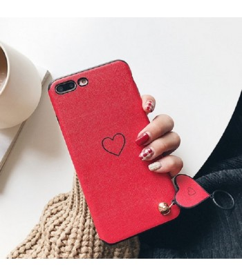 love-shape-pendant-iphone-case e
